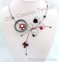 collier rouge et noir conception unique collier par creationtwinne