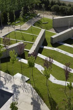 Navalcarnero, Spain Jardin Historico de Mariana de Austria Estudio Cano Lasso Arquitectos. Different levels of lawns