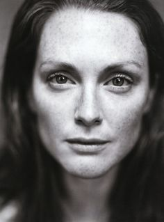 Julianne Moore is lovely, and has amazing red hair. her eyes always seem to be looking into my soul <3