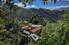 Visiter le Pays Catalan, mes 11 lieux insolites - Blog Kikimag Travel Les Cascades, Saint Martin, Mountains, Nature, Travel, Blog, 31 Mai, Spots, Ainsi