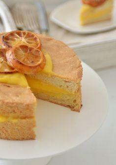 fräulein glücklich: Morgenstund hat Gold im Mund { Angel Food Cake mit Lemon Curd }