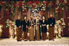 The wedding of president jokowi's son. Wedding Themes, Wedding Designs, Wedding Styles, Wedding Decorations, Wedding Dresses, Bridesmaid Dresses, Javanese Wedding, Indonesian Wedding, Foto Wedding