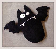 Simppeli lepakko  The Bat by de-kay, via Flickr