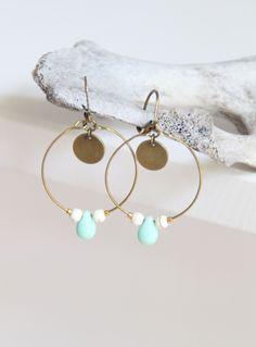 ★ Boucles d'oreille créoles / laiton et perle de bohême verte ★