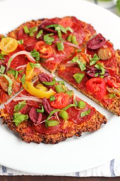 The Best Dairy-Free and Grain-Free Cauliflower Pizza Recipe: this is so easy to make and delicious! This recipe is definitely a crowd-pleaser!