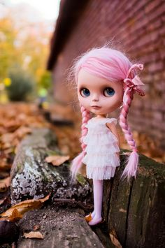 Blythe, what are you doing, hanging around in back alleys?!