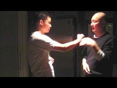 打生樁 - 少川靖男 Wing Chun Kung Fu, 詠春功夫, first form application - YouTube
