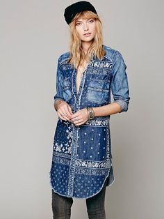 64 Super Ideas Patchwork Jeans Diy Inspiration Source by craythorne clothes ideas Denim Fashion, Fashion Mode, Street Fashion, Fall Fashion, Fashion Trends, Patchwork Jeans, Patchwork Dress, Artisanats Denim, Denim Tunic