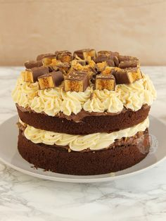 Honeycomb Crunchie Cake