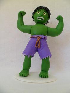 Hulk todo modelado a mão em biscuit R$70,00