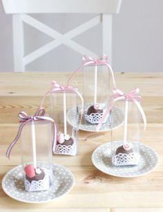cake pops by petite homemade