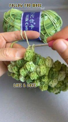 Crochet Simple, Easy Crochet Stitches, Crochet Stitches For Beginners, Crochet Diy, Crochet Motifs, Easy Knitting Patterns, Crochet Videos, Crochet Basics, Crochet Crafts