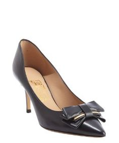 Salvatore Ferragamoblack leather bow detail pointed toe pumps 396