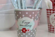 Happy Mug.... http://living-sweets.com/Krasilnikoff