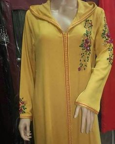 361 mentions J'aime, 7 commentaires - caftan marocaine (@caftan_maro) sur Instagram Abaya Fashion, Fashion Outfits, Womens Fashion, Indian Dresses Traditional, Abaya Pattern, Modele Hijab, Moroccan Caftan, Embroidery Suits, Embroidery Designs