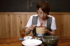 mae-chan eating