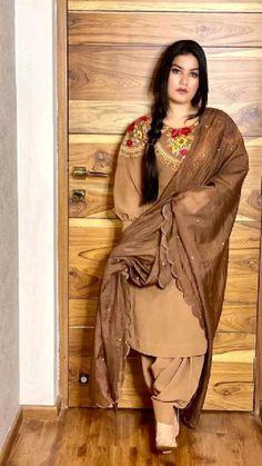 Designer Party Wear Dresses, Embroidery Suits Design, Sari, How To Wear, Amazon, Fashion, Saree, Moda, Amazons