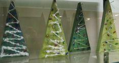 Onpa ollut kiireinen joulukku! Blogin päivtyskin on jäänyt. 1b luokan oppilaat tekivät käsitöissä puiset kuuset. Tässä työs...