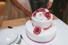 Royal icing (kraljevska glazura) recept i za šta se sve može iskoristiti Wedding Cake Toppers, Wedding Cakes, Huge Cake, Low Budget Wedding, Wedding Cake Inspiration, Wedding Ideas, Rustic Wedding, Whimsical Wedding, Red Wedding
