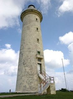Faro de Roncali (Cabo San Antonio Light), Pinar del Río Province, Cuba, 2005 photo copyright Garry Searle; used by permission