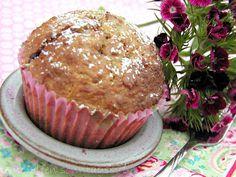 Buttermilchmuffins mit Himbeermarmeladenherz...  Initiative Sonntagssüß auch bei den  http://teuto-elfen.blogspot.de/