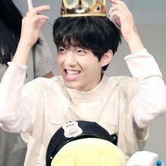 Yoon Dowoon make me swoon Pop Rock Bands, Cool Bands, Bang Bang, K Pop, Day6 Dowoon, Bujo, Young K, Bob The Builder, Rock Bands