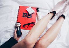 Bobbi Brown, poschstyle, legs, velvet boots, makeup, beauty