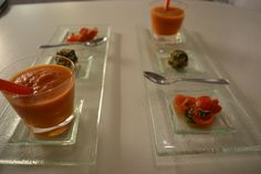 Noch mal anders fotografiert Gazpacho, Panna Cotta, Pudding, Ethnic Recipes, Desserts, Food, Goat, Chocolate Candies, Easy Meals