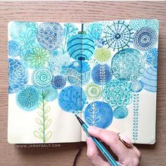 When looking for inspiration, I sometimes look back and turn to old work, like this 2015 #sketchbook. 🔵🌿✍🏻 .. #pattern #blue #makersgonnamake
