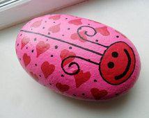 Handpainted Heart LOVE BUG ROCK Mother's Day Gift Paperweight Pink Red Hearts Abstract Garden Decor Doorstop
