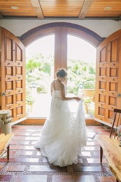 Romantic Dress Details | Photo: Foreveryday Photography