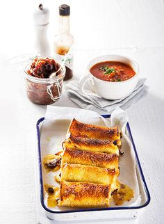 Every country has their own version of a toasty – try these cheese rolls from New Zealand on a cold day with hot soup. Kiwi Recipes, Grape Recipes, Light Recipes, Cheese Roll Recipe, Cheese Recipes, Cooking Bread, Cooking Recipes, Dishes Recipes, Arancini Recipe