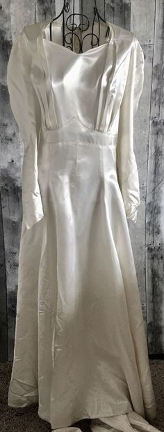 Vintage 1950s Satin Wedding Gown Dress Train Pleated Long Sleeve Size XL