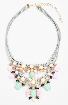 Gorgeous pastel hued stones lend vintage elegance to this statement necklace http://rstyle.me/n/ixqahnyg6
