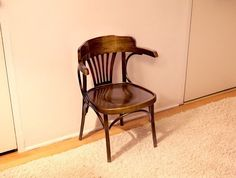 Weird Wooden Chair Pressed Into Service For Thanksgiving