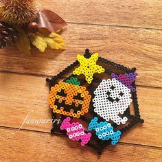 Hama Beads Halloween, Halloween Crafts, Perler Bead Templates, Diy Perler Beads, Pixel Beads, Fuse Beads, Fuse Bead Patterns, Beading Patterns, Bead Crafts