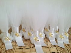 Wedding Favors and Gifts Almond Wedding Favours, Food Wedding Favors, Homemade Wedding Favors, Vintage Wedding Favors, Creative Wedding Favors, Inexpensive Wedding Favors, Gold Wedding Theme, Wedding Gift Bags, Beach Wedding Favors