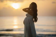 Laura & Co.: Maternity Photoshoot - Beach/Sunrise Look bump style, maternity…