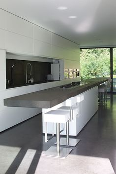 3 Innovative Cool Tips: Minimalist Kitchen Essentials Beautiful minimalist decor plants white bedrooms.Chic Minimalist Decor White Kitchens minimalist home design kitchen white. Minimalist Kitchen, Minimalist Interior, Minimalist Decor, Minimalist Bedroom, Interior Design Kitchen, Home Design, Kitchen Decor, Design Ideas, Kitchen Slab