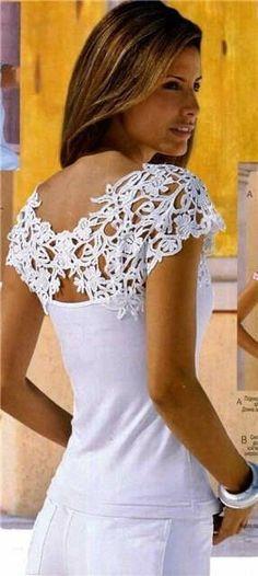 3ae7ea77b Chorrilho de ideias  Bonita ideia em crochet para gola Costumização De  Camisetas