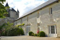 La Salle de réception est située au pied du Château.