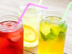 Ditch the soda and artificially flavoured water! Given water's many benefits—it can prevent headaches, boost brainpower, improve your mood, and even help you lose weight—these recipes will help you stay healthy and hydrated! #prevention #natural