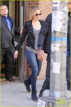 jennifer lawrence out in nyc 01 Jennifer Lawrence keeps her look casual, but stylish while getting ready for a busy day on Saturday afternoon (April 4) in New York City. The 24-year-old actress…