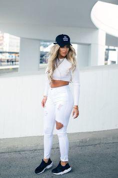 All white || Ripped jeans || Crop top || Black cap ❤ www.swipenshop.nl ❤