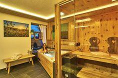 Chalet Suite im Bayerischen Wald - Mit Sauna, Whirlpool uvm. Divider, Bathtub, Room, Furniture, Home Decor, Cottage House, Woodland Forest, Standing Bath, Homemade Home Decor