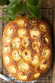 Focaccia z ziemniakami i rozmarynem...