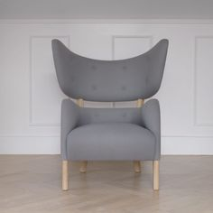Danish architect Flemming Lassen only created one of these chairs back in 1938, when it was made for the yearly Cabinetmakers Guild Exhibition in Copenhagen. It subsequently sat in the architect's home.