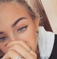 Model Scarlett Leithold #Scarlett_Leithold
