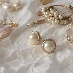 Lauren B Jewelry -Advice Pearl Jewelry, Pearl Earrings, Dainty Jewelry, Silver Earrings, Hoop Earrings, How To Have Style, Jewellery Storage, Jewelry Accessories, Teen Jewelry