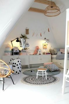 Awesome Schlafzimmer Ideen Unterm Dach that you must know, Youre in good company if you?re looking for Schlafzimmer Ideen Unterm Dach Pink Bedroom For Girls, Small Room Bedroom, Little Girl Rooms, Nursery Room, Baby Room, Girl Bedroom Designs, Bedroom Ideas, Tumblr Rooms, Kids Room Design